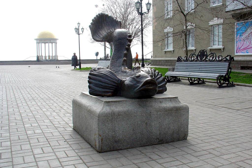 Оригинальные памятники и скульптуры Бердянска
