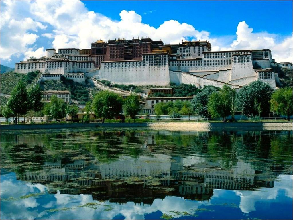 Таинственный Тибет. Лхаса - солнечный город на крыше мира.