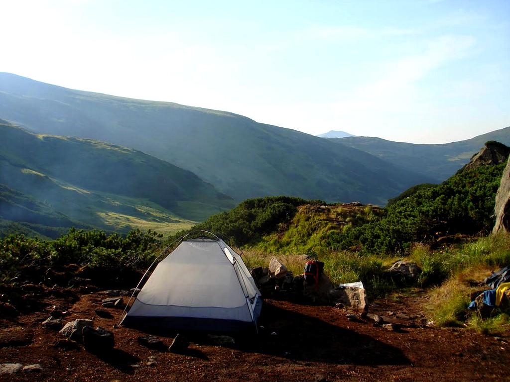 Поход с палатками – лучший вид отдыха.