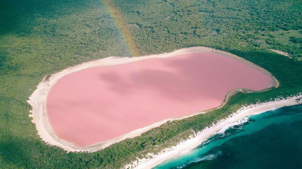 Розовое озеро западной Австралии.