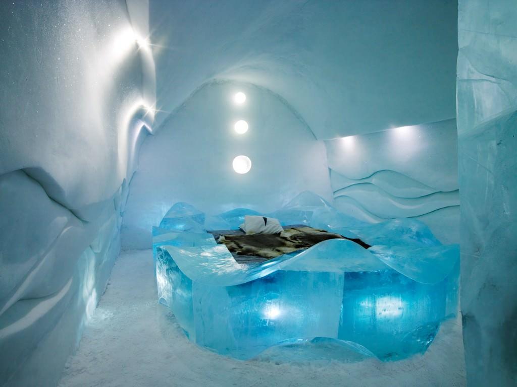 Новогодняя ночь в ледяном отеле