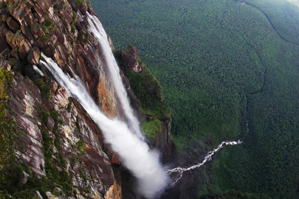 Восемь самых экзотичных водопадов мира
