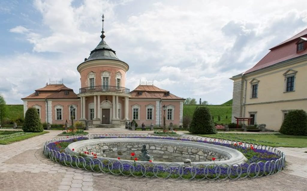 Экскурсия по Золочевскому замку