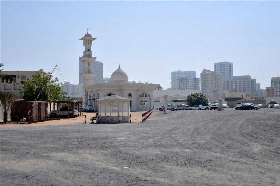 Шарджа – приток города Дубай.