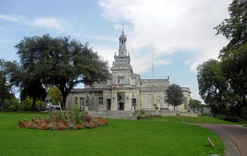 Столица коньяков, город Коньяк, Франция